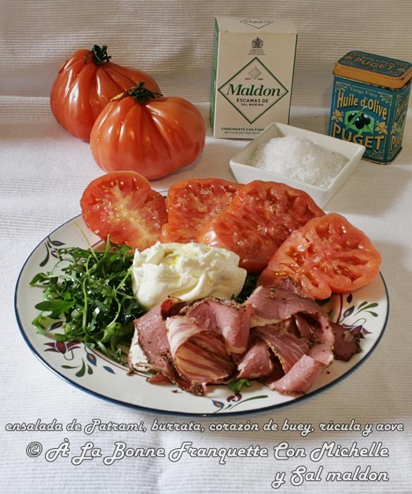 ensalada-pastrami-rucula-corazon-de-buey-tomate-burrata-aove-sal-maldon-a-la-bonne-franquette-con-michelle-1