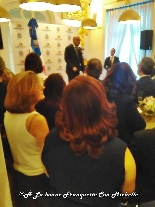 En la tribuna, el señor embajador Don Aníbal de Castro